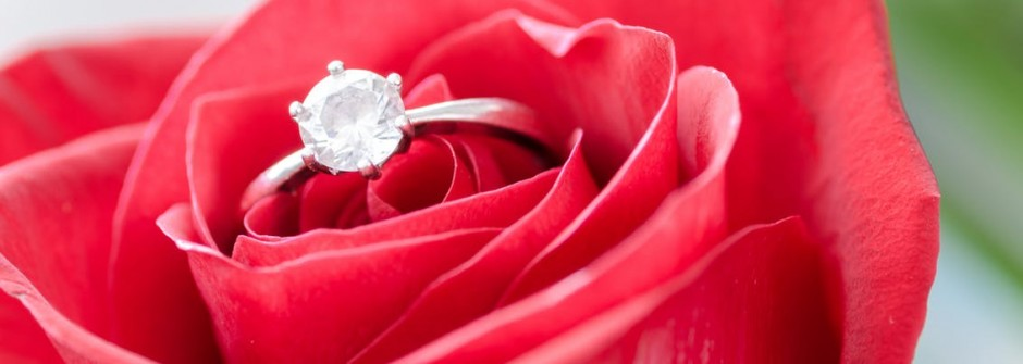 Top Rules For Picking Out The Best Engagement Ring