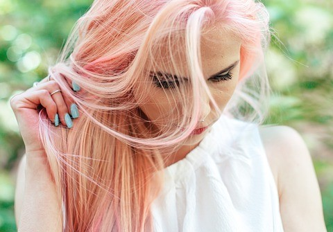 Highlight or color your hair; here's how to make the decision